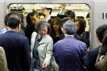 """【文春オンライン】オレオレ詐欺にも「あるわけない!」 何でも疑うイタリア人の夫に言われた、""""日本のこれっておかしくない?""""公開!"""